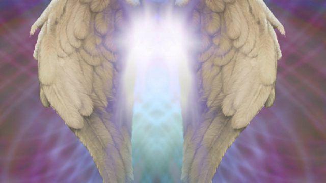 https://www.taaramalhotra.com/wp-content/uploads/2020/05/angel-reiki-640x360.jpg
